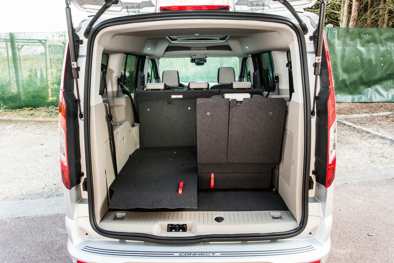 essai ford grand tourneo connect ludospace 7 places photo 40 l 39 argus. Black Bedroom Furniture Sets. Home Design Ideas