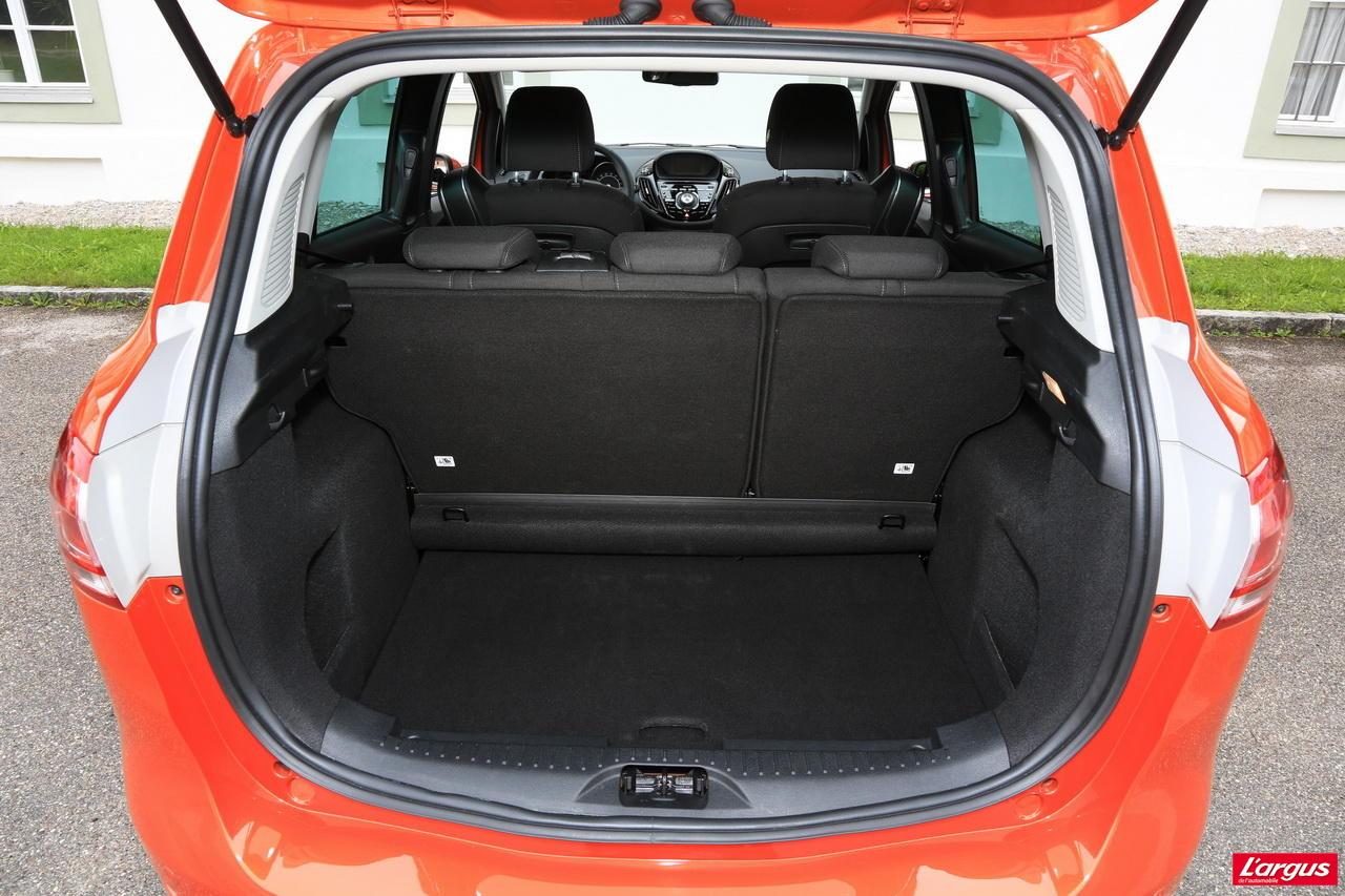 voiture neuve quelle ford b max choisir photo 14 l 39 argus. Black Bedroom Furniture Sets. Home Design Ideas