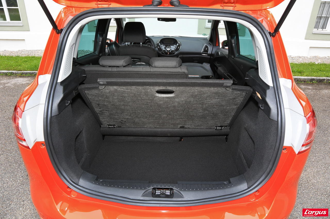 voiture neuve quelle ford b max choisir photo 26 l 39 argus. Black Bedroom Furniture Sets. Home Design Ideas