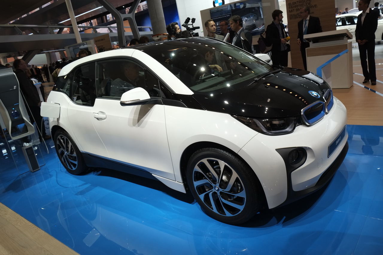 bmw i3 la r volution lectrique bmw bient t disponible. Black Bedroom Furniture Sets. Home Design Ideas