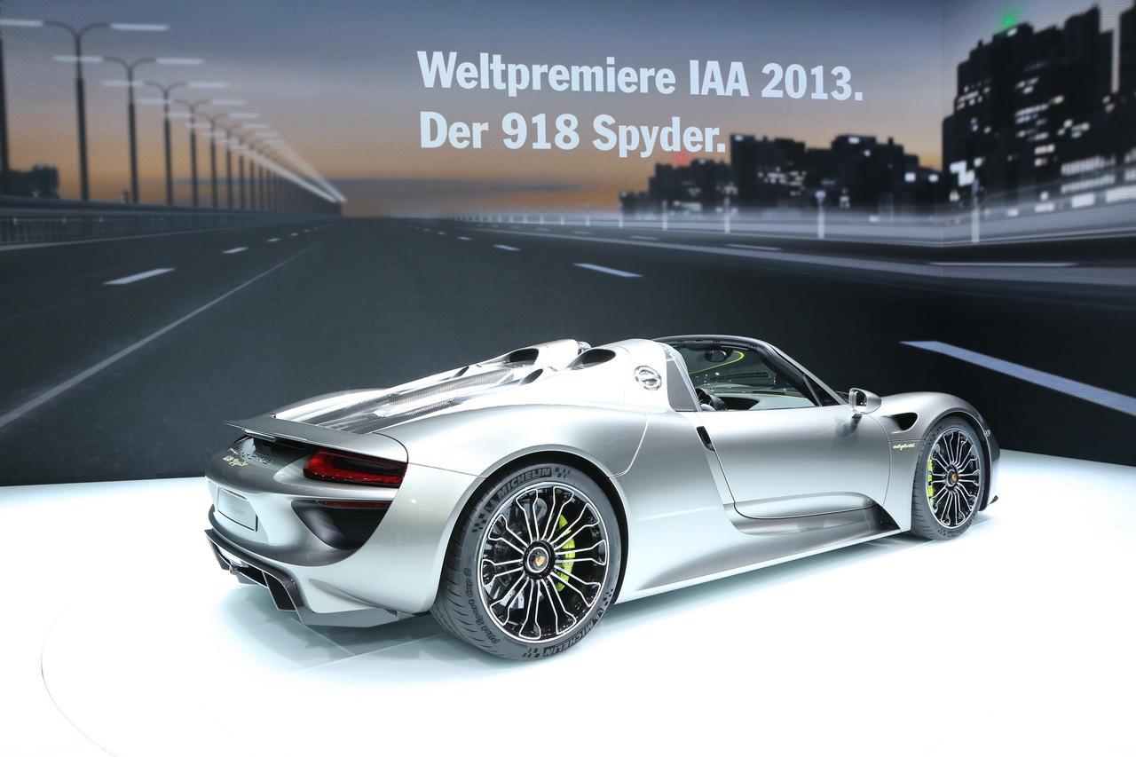porsche 918 spyder une supercar hybride de 887 chevaux factur e 775 000 eur. Black Bedroom Furniture Sets. Home Design Ideas