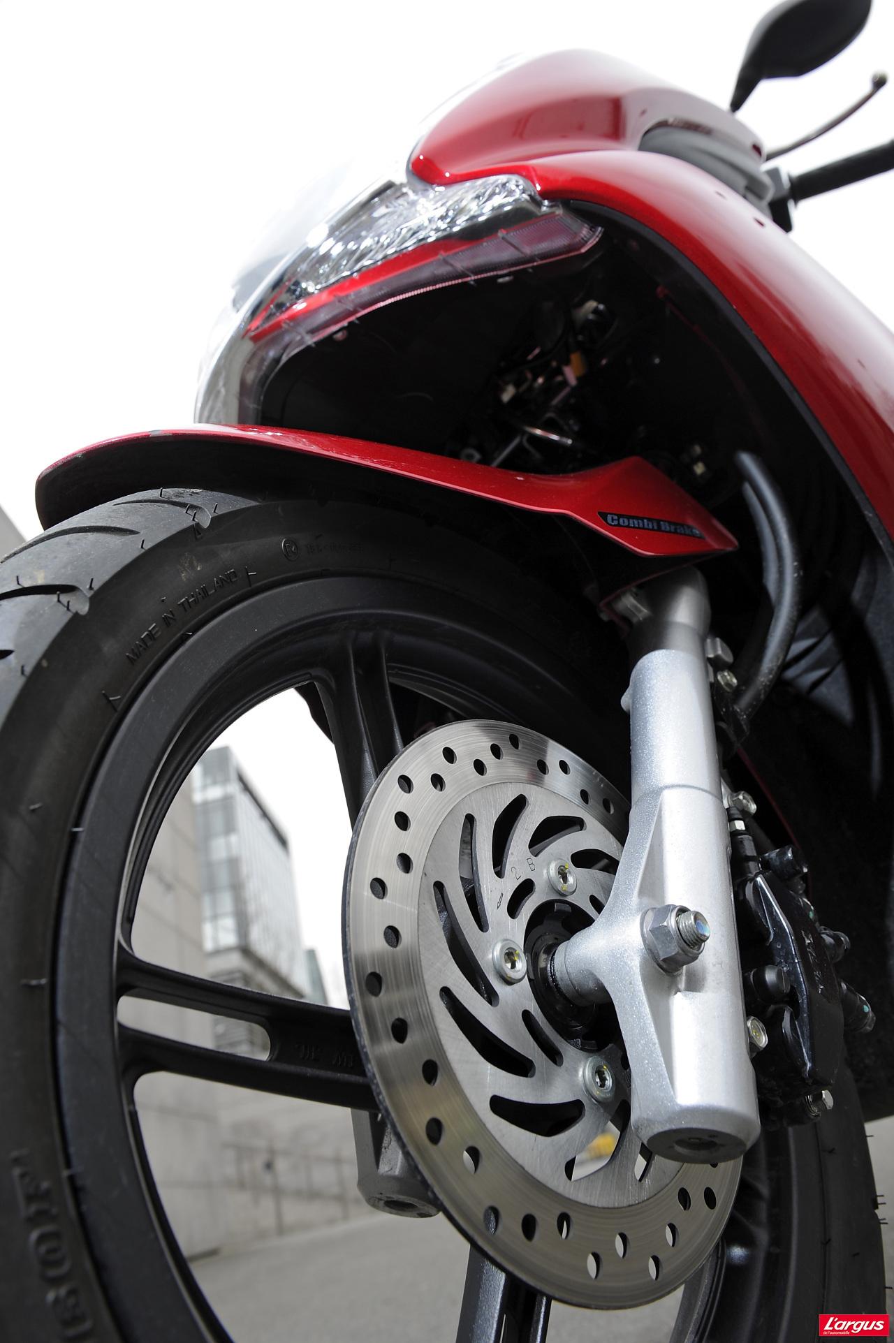 Freinage moto virage