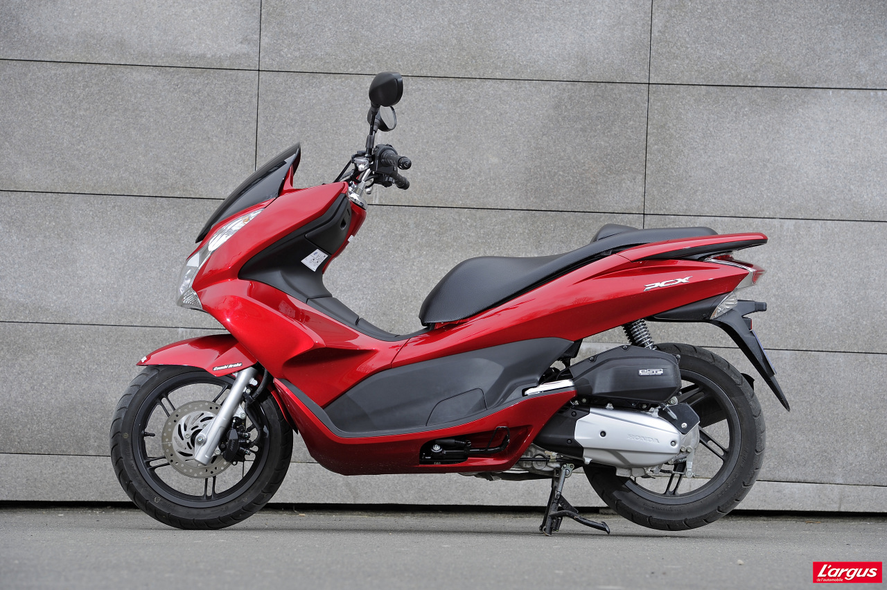 honda pcx 125 un scooter urbain encore plus conomique l 39 argus. Black Bedroom Furniture Sets. Home Design Ideas
