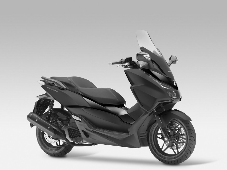 honda forza 125 une star deux roues au mondial photo 7 l 39 argus. Black Bedroom Furniture Sets. Home Design Ideas