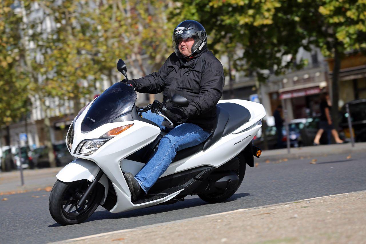 essai du maxi scooter honda nss300 forza aide m canique et panne moto auto evasion forum auto. Black Bedroom Furniture Sets. Home Design Ideas