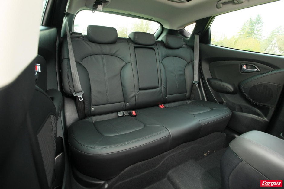 hyundai ix35 nissan qashqai le match photo 18 l 39 argus. Black Bedroom Furniture Sets. Home Design Ideas