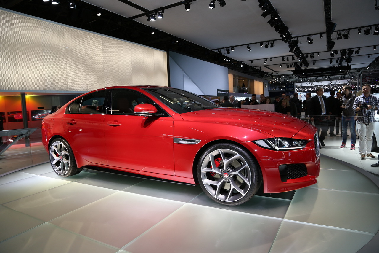 mondial auto 2014 la nouvelle jaguar xe d voil e paris photo 2 l 39 argus. Black Bedroom Furniture Sets. Home Design Ideas