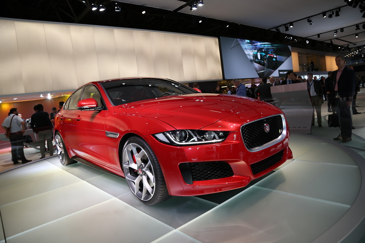 mondial auto 2014 la nouvelle jaguar xe d voil e paris l 39 argus. Black Bedroom Furniture Sets. Home Design Ideas