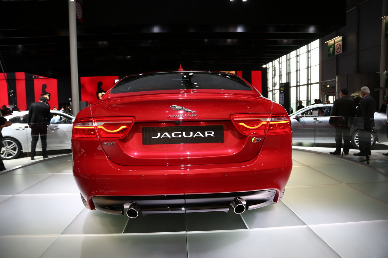 mondial auto 2014 la nouvelle jaguar xe d voil e paris photo 5 l 39 argus. Black Bedroom Furniture Sets. Home Design Ideas