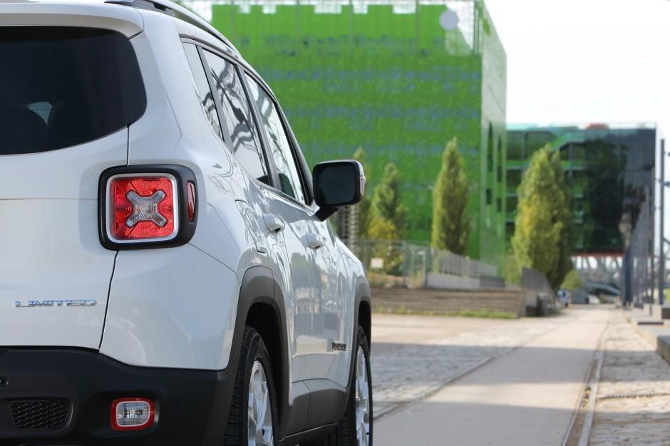 essai nouveau renegade jeep arrive en ville photo 7 l 39 argus. Black Bedroom Furniture Sets. Home Design Ideas