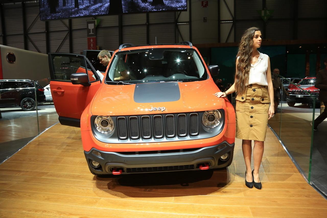 """Résultat de recherche d'images pour """"image jEEP RENEGADE salon auto 2014"""""""