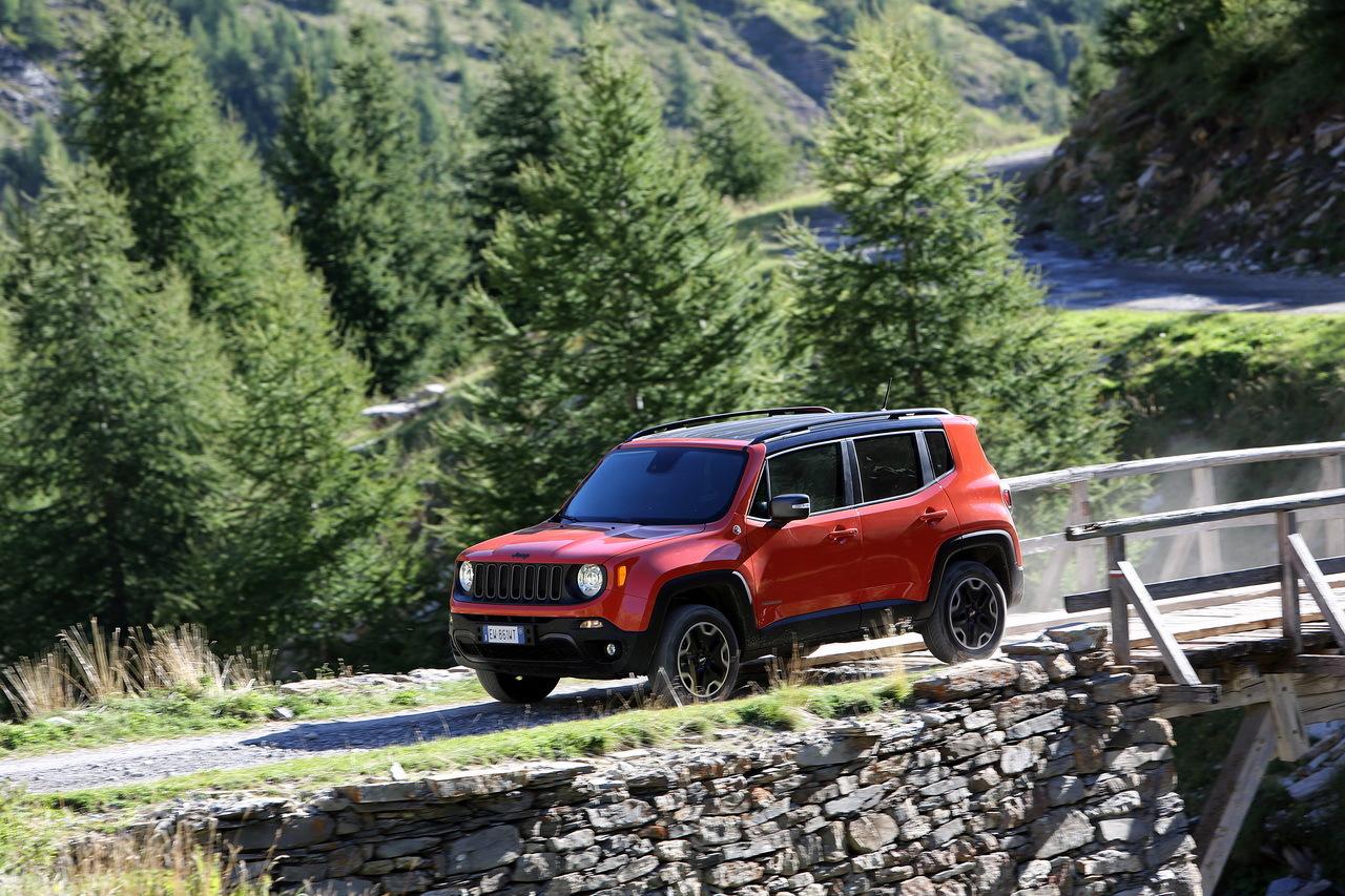 essai nouveau renegade jeep arrive en ville photo 46 l 39 argus. Black Bedroom Furniture Sets. Home Design Ideas