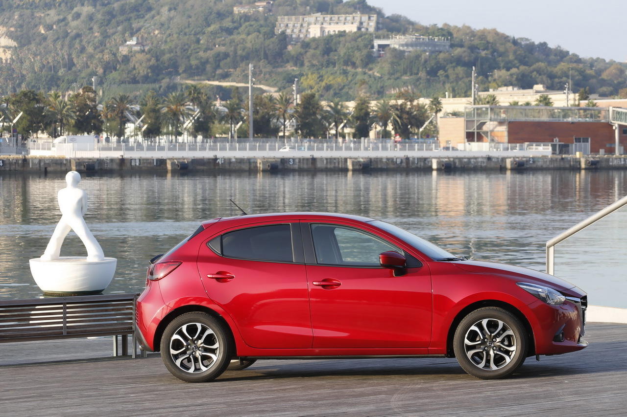 nouvelle mazda 2 essai en avant premi re photo 36 l 39 argus. Black Bedroom Furniture Sets. Home Design Ideas