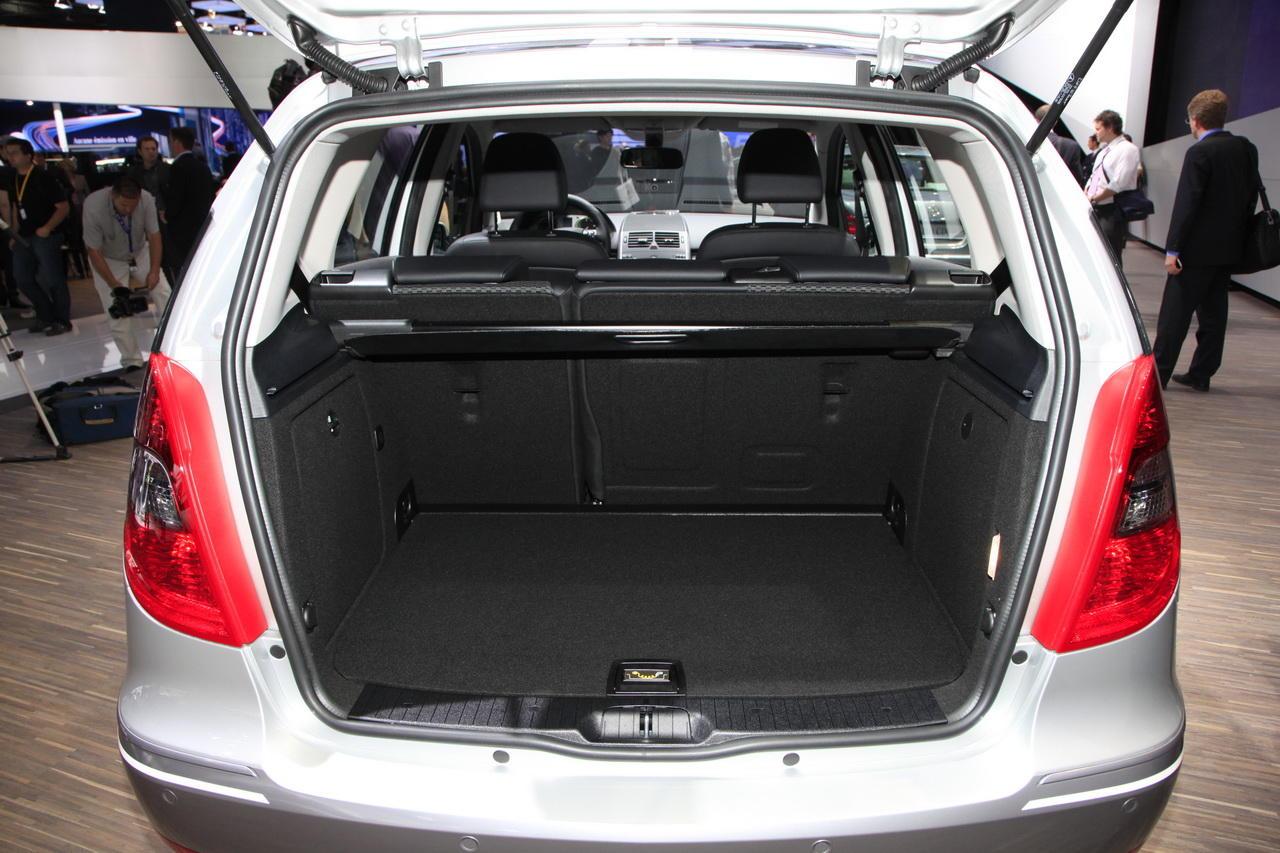 e cell une int gration r ussie salon de l 39 auto 2010. Black Bedroom Furniture Sets. Home Design Ideas