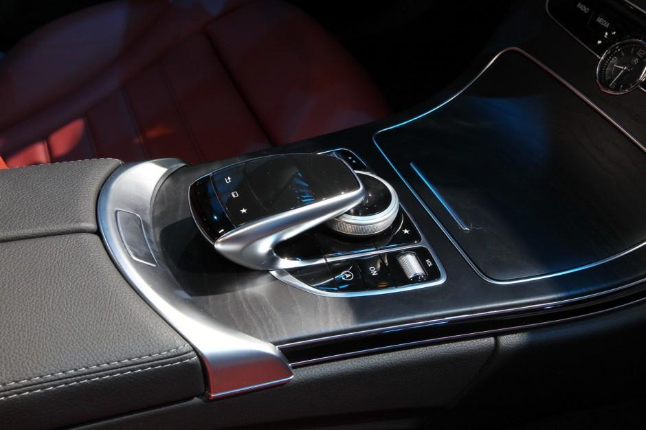 mondial auto 2014 lancement de la mercedes classe c break photo 10 l 39 argus. Black Bedroom Furniture Sets. Home Design Ideas