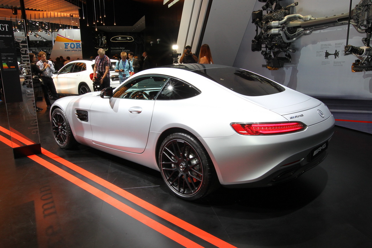 top 10 des nouveaut s du mondial de l 39 automobile de paris. Black Bedroom Furniture Sets. Home Design Ideas