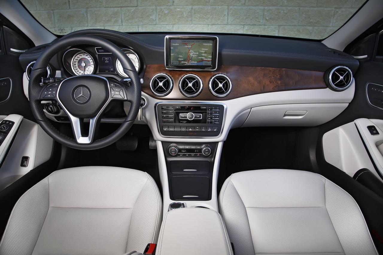 http://www.largus.fr/images/images/Mercedes-GLA-2014_05.jpg
