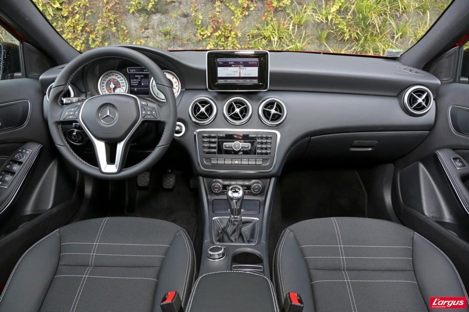 Audi a3 mercedes classe a volvo v40 prime la classe for Interieur mercedes classe a