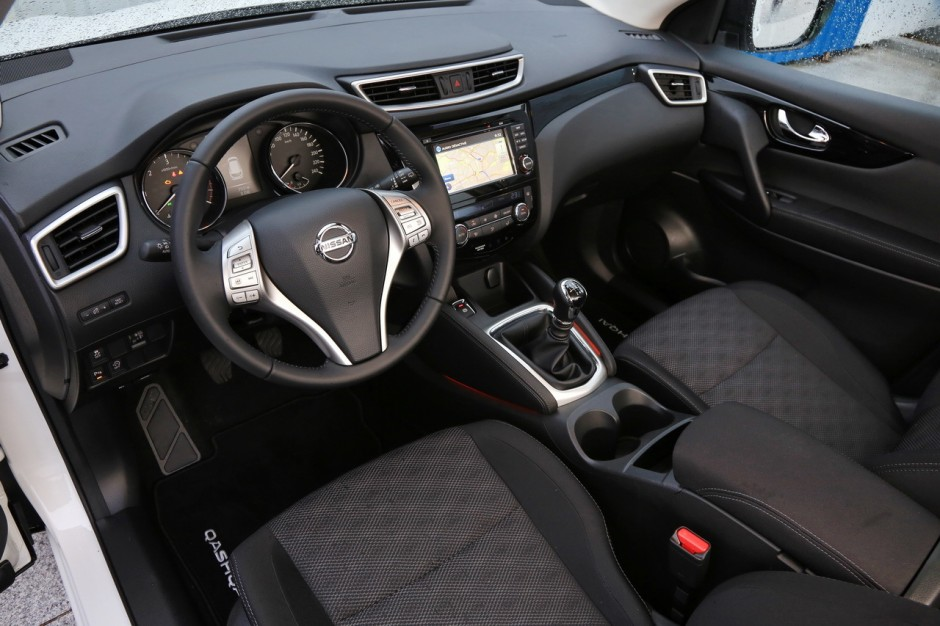 essai du nissan qashqai 2014 face ses concurrents photo 6 l 39 argus. Black Bedroom Furniture Sets. Home Design Ideas