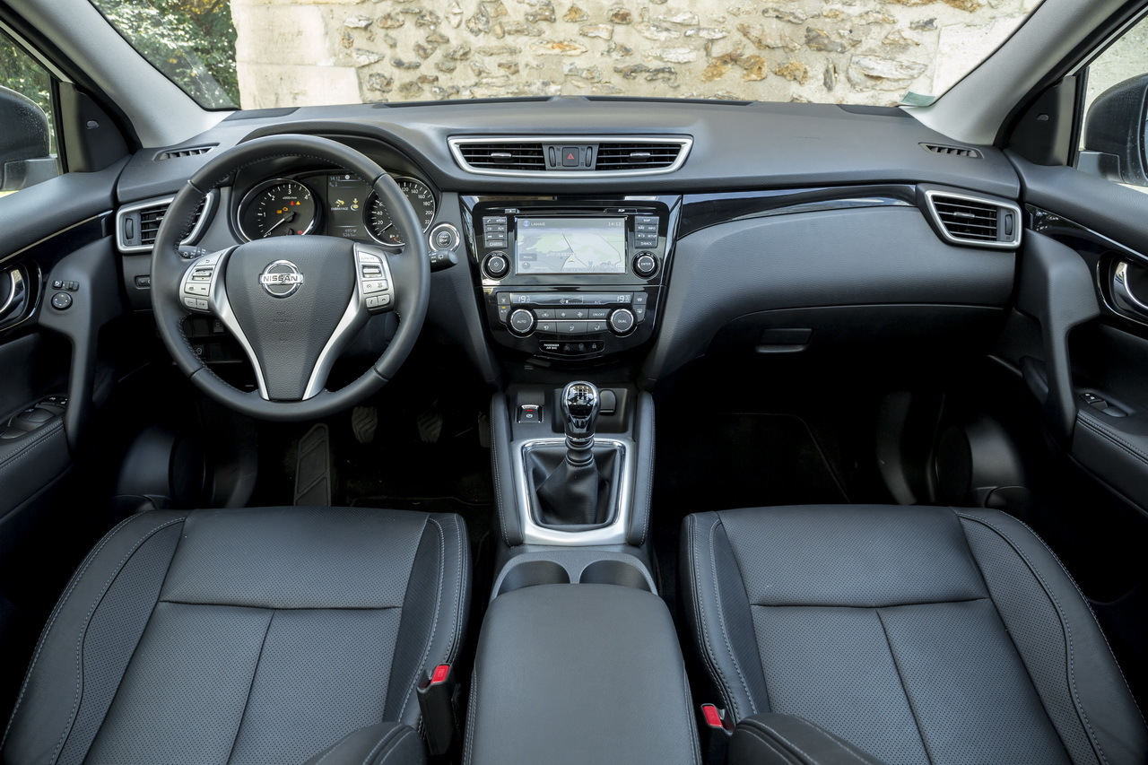 le nouveau qashqai 2014 face au tiguan le match des leaders l 39 argus. Black Bedroom Furniture Sets. Home Design Ideas