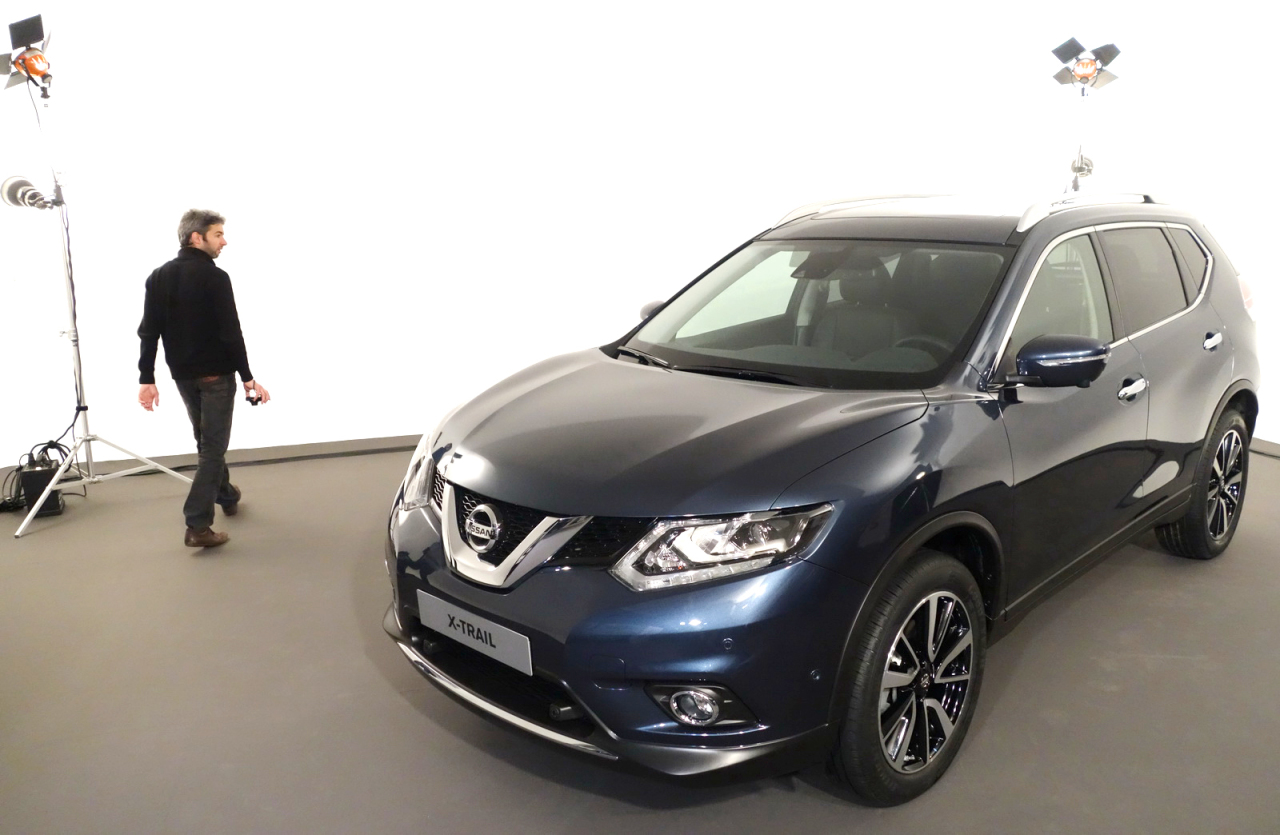 vid o nissan x trail un crossover 7 places partir de 27 700 l 39 argus. Black Bedroom Furniture Sets. Home Design Ideas