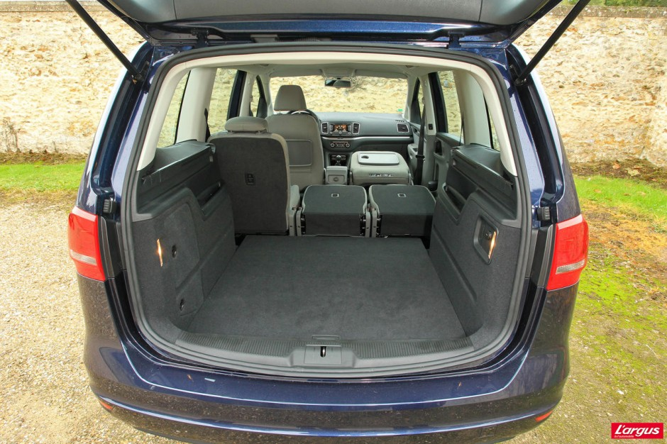 le nouveau volkswagen sharan face au leader du march renault espace photo 11 l 39 argus. Black Bedroom Furniture Sets. Home Design Ideas