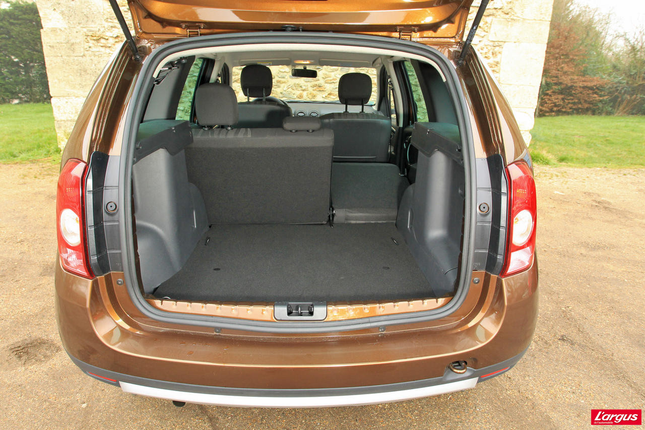 dacia duster 4x2 ou sandero stepway pour sortir des. Black Bedroom Furniture Sets. Home Design Ideas
