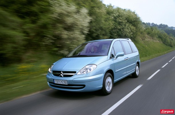 Citroën C8 et Peugeot 807 : l'affaire de la courroie de distribution