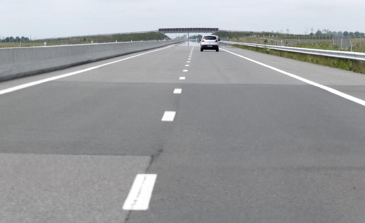 vitesse limit e 70 km h sur le p riph rique 120 km h sur autoroute l 39 argus. Black Bedroom Furniture Sets. Home Design Ideas