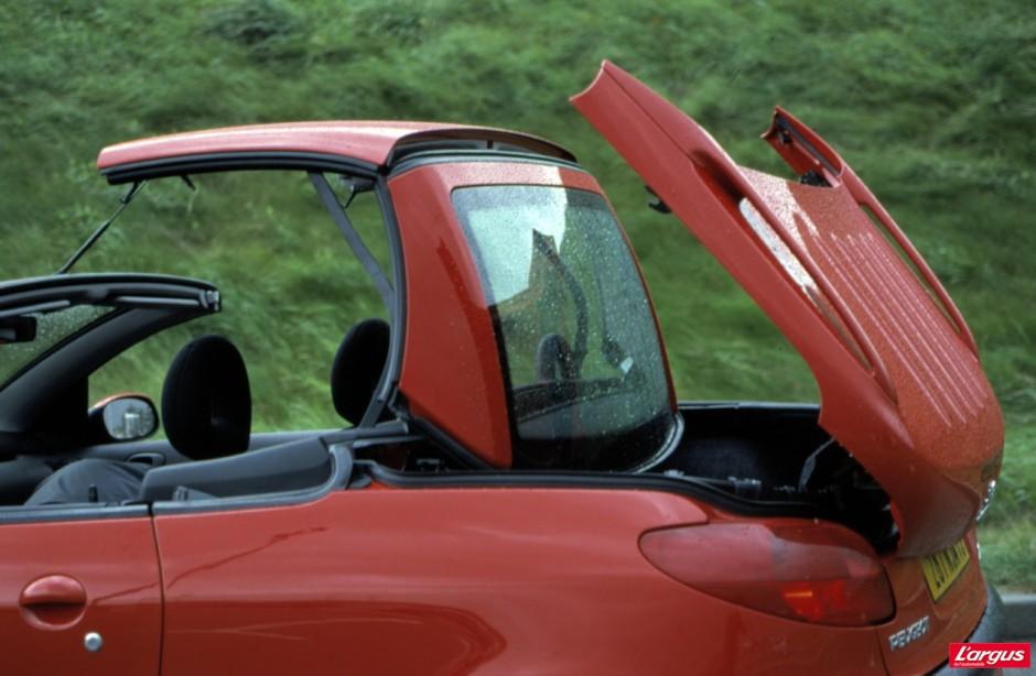 guide d 39 achat occasion 10 cabriolets moins de 10000 euros photo 17 l 39 argus. Black Bedroom Furniture Sets. Home Design Ideas