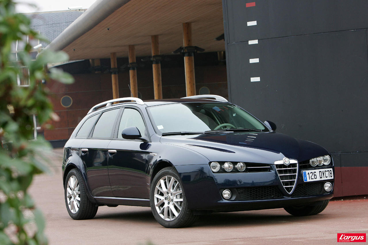 alfa romeo 159 laquelle choisir. Black Bedroom Furniture Sets. Home Design Ideas