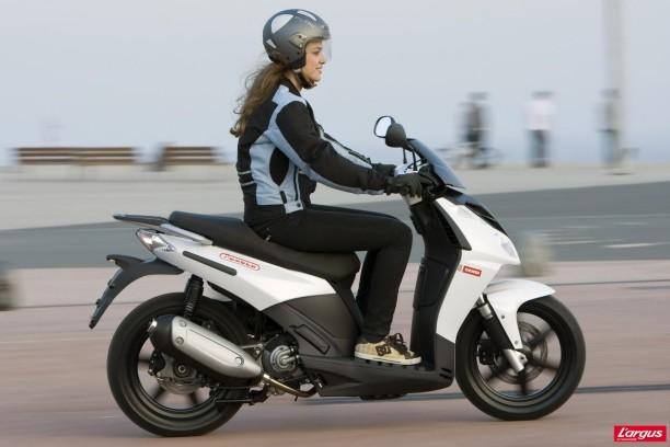 Dekra veut aussi les scooters l 39 argus - Controle technique pace ...