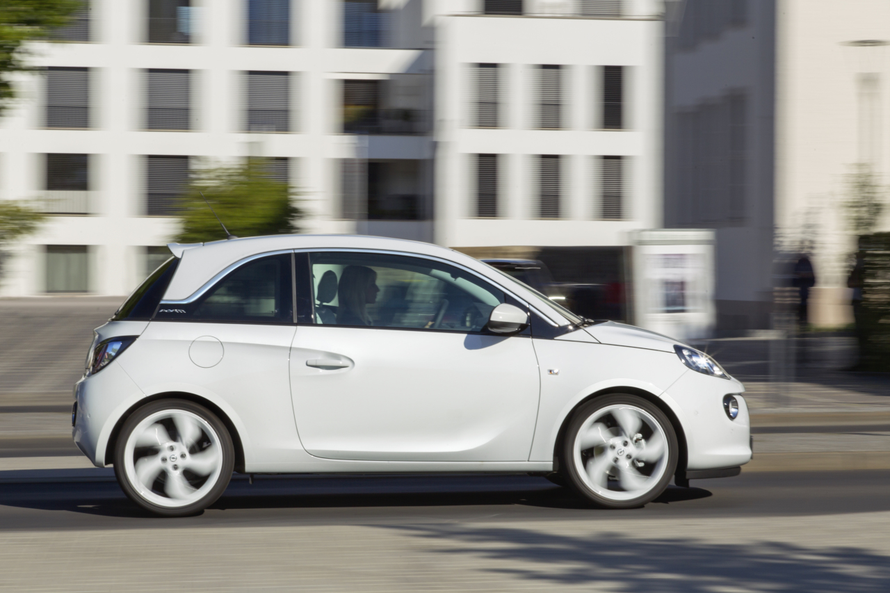 opel adam un in dit trois cylindres 1 0 turbo en 2014. Black Bedroom Furniture Sets. Home Design Ideas