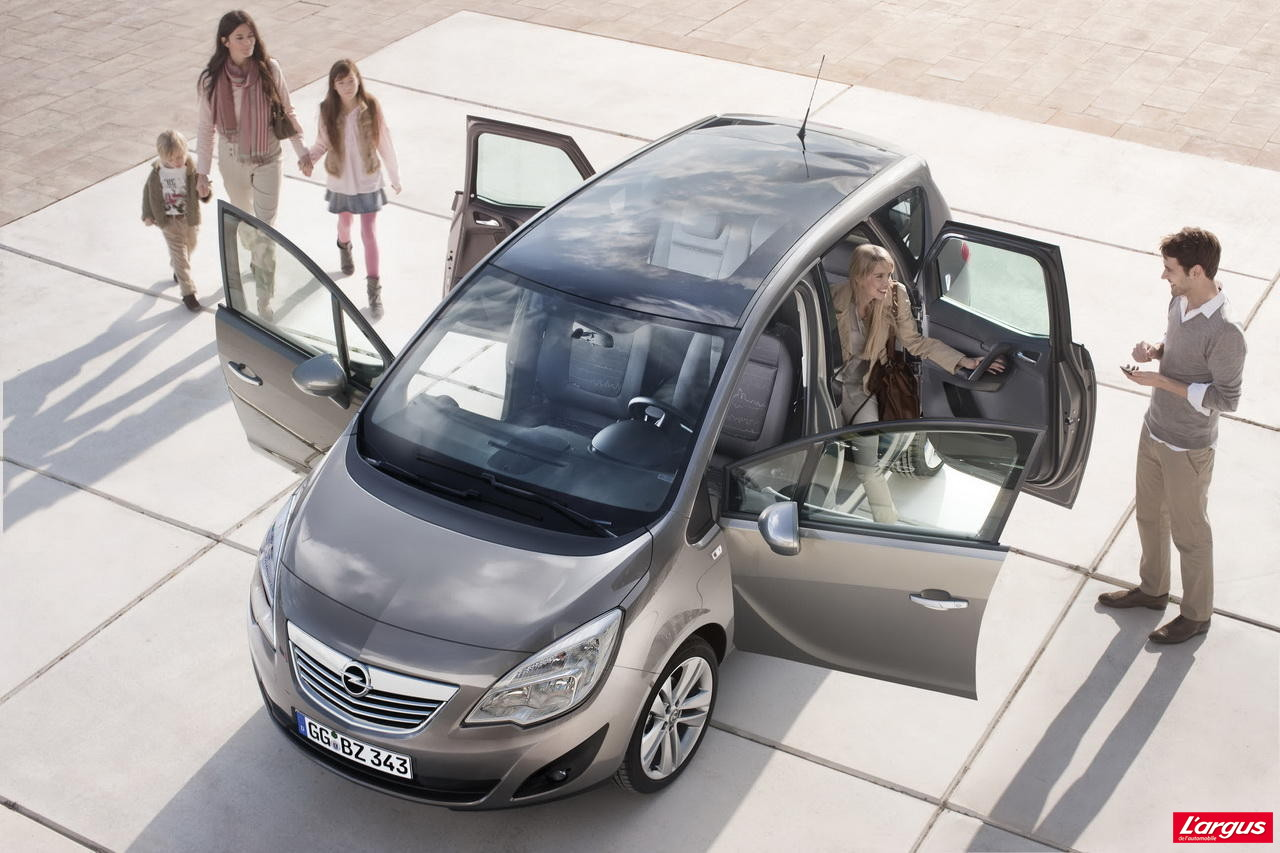 Opel meriva portes ouvertes sur la modularit salon de for Porte ouverte salon degermann