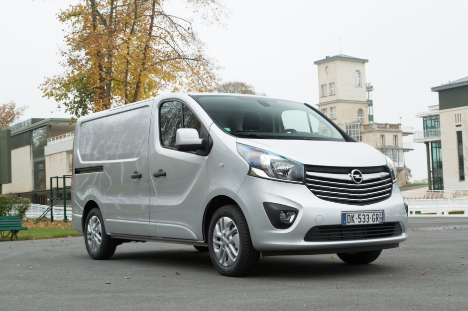 le renault trafic lu utilitaire de l 39 ann e 2015 photo 6 l 39 argus. Black Bedroom Furniture Sets. Home Design Ideas