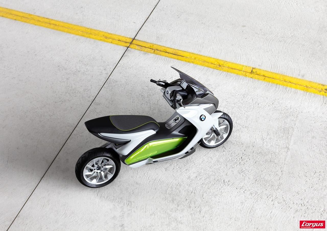 bmw concept e le scooter lectrique l 39 allemande salon de francfort 2011. Black Bedroom Furniture Sets. Home Design Ideas