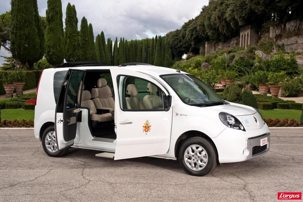 le pape aussi roule en renault kangoo l 39 argus. Black Bedroom Furniture Sets. Home Design Ideas