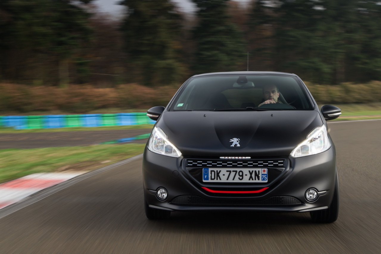 essai peugeot 208 gti 30th hommage sportif la 205 gti photo 17 l 39 argus. Black Bedroom Furniture Sets. Home Design Ideas