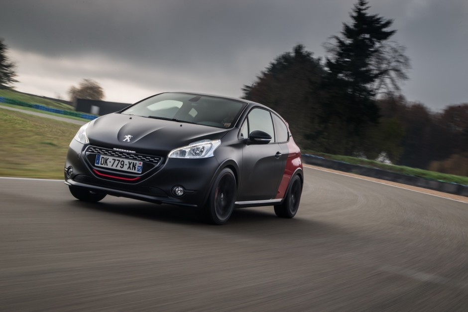 essai peugeot 208 gti 30th hommage sportif la 205 gti photo 20 l 39 argus. Black Bedroom Furniture Sets. Home Design Ideas