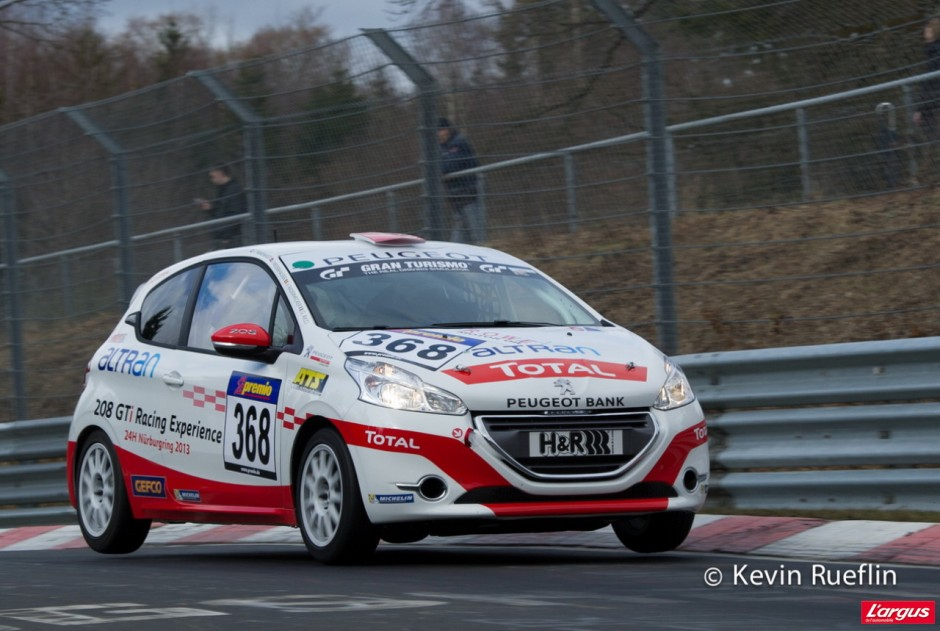l 39 argus au n rburgring en peugeot 208 racing cup photo 12 l 39 argus. Black Bedroom Furniture Sets. Home Design Ideas