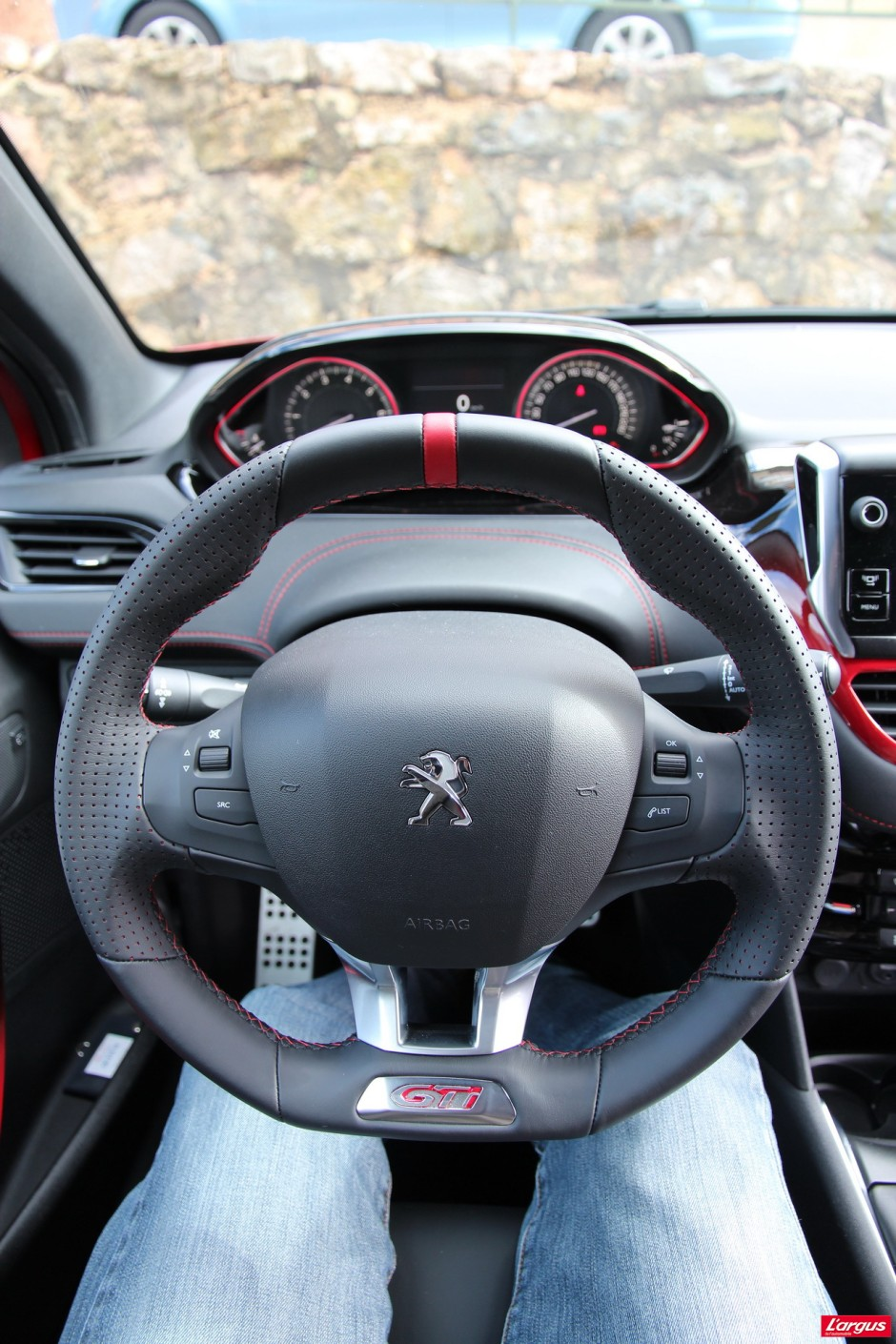 essai peugeot 208 gti le sport sans exc s photo 28 l 39 argus. Black Bedroom Furniture Sets. Home Design Ideas