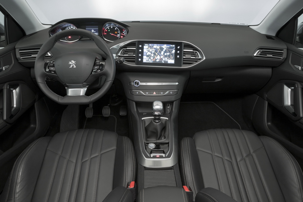 https://www.largus.fr/images/images/Peugeot-308-SW-2014_22.jpg?0.4107244166851143?0.7942115439410201