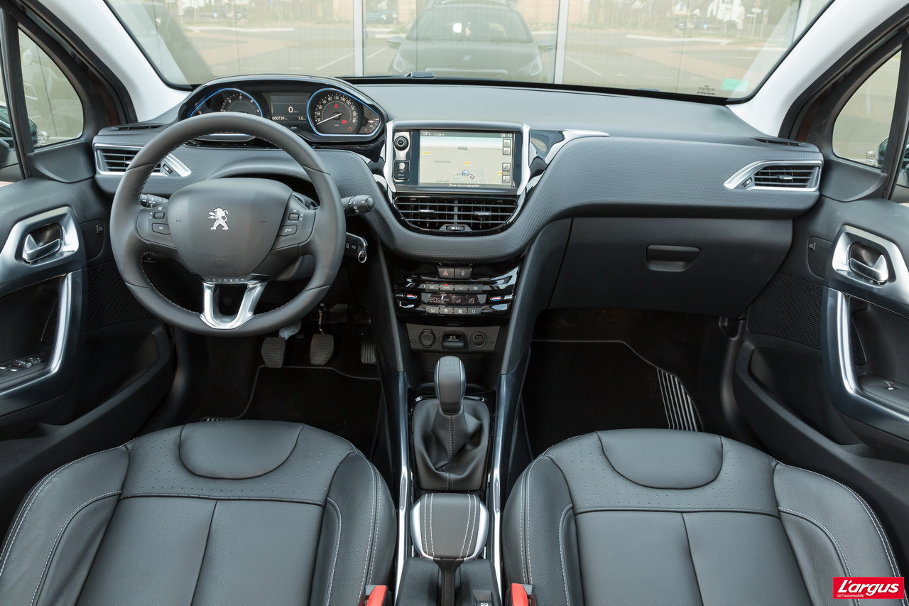 le peugeot 2008 affronte le renault captur photo 11 l 39 argus. Black Bedroom Furniture Sets. Home Design Ideas