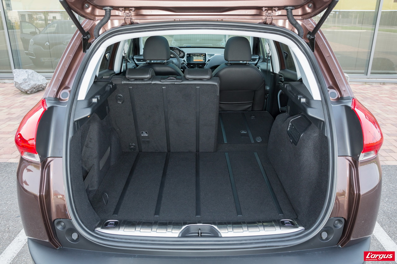 le peugeot 2008 affronte le renault captur photo 21 l 39 argus. Black Bedroom Furniture Sets. Home Design Ideas