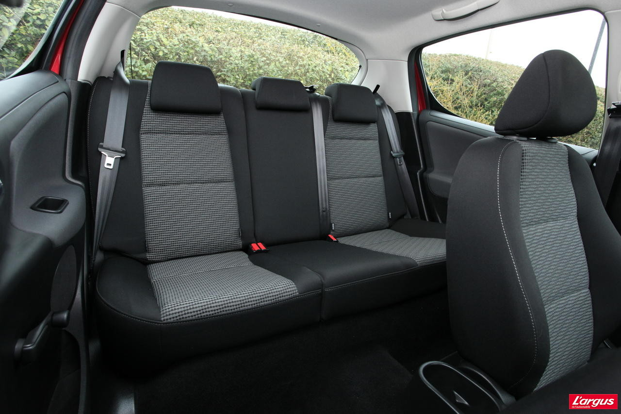 la honda jazz hybrid affronte la peugeot 207 hdi photo 44 l 39 argus. Black Bedroom Furniture Sets. Home Design Ideas