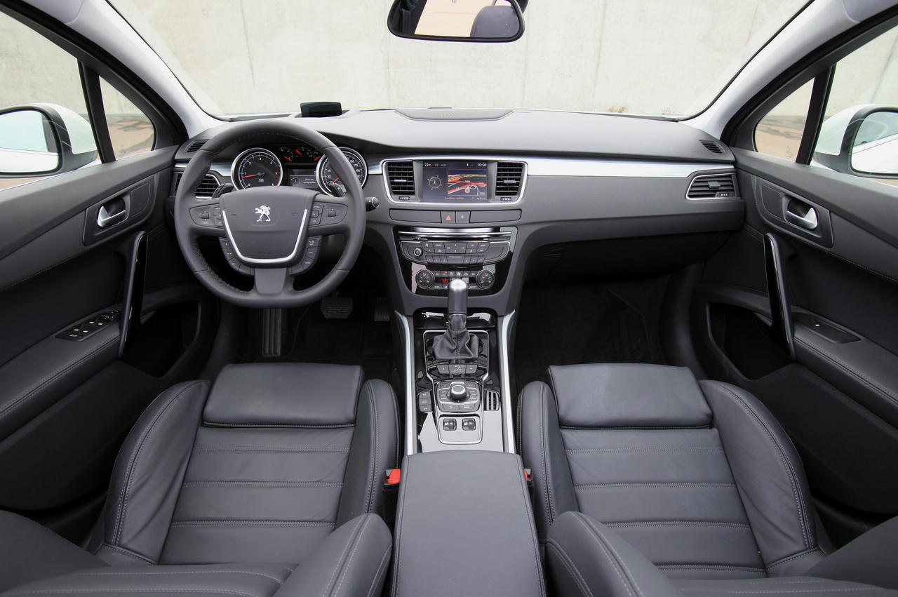 Peugeot 508 berline et sw for Interieur 3008 allure