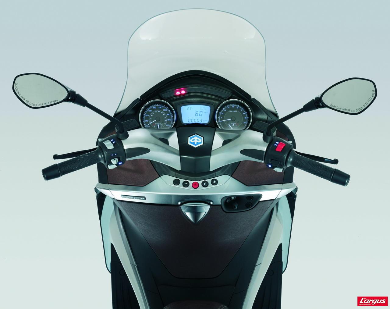 piaggio x10 le retour du maxi scooter 125 photo 9 l 39 argus. Black Bedroom Furniture Sets. Home Design Ideas