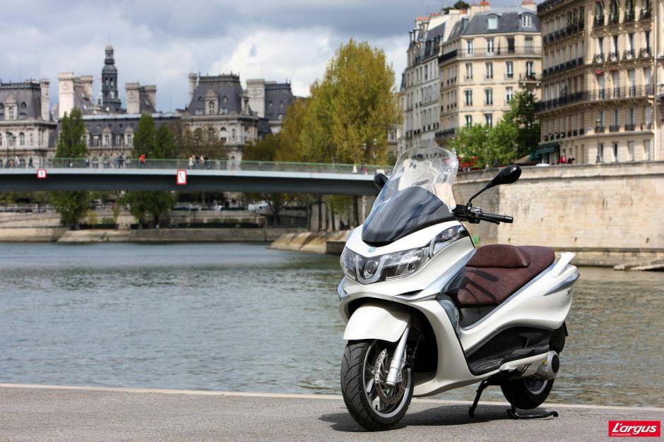 piaggio x10 le retour du maxi scooter 125 photo 12 l 39 argus. Black Bedroom Furniture Sets. Home Design Ideas