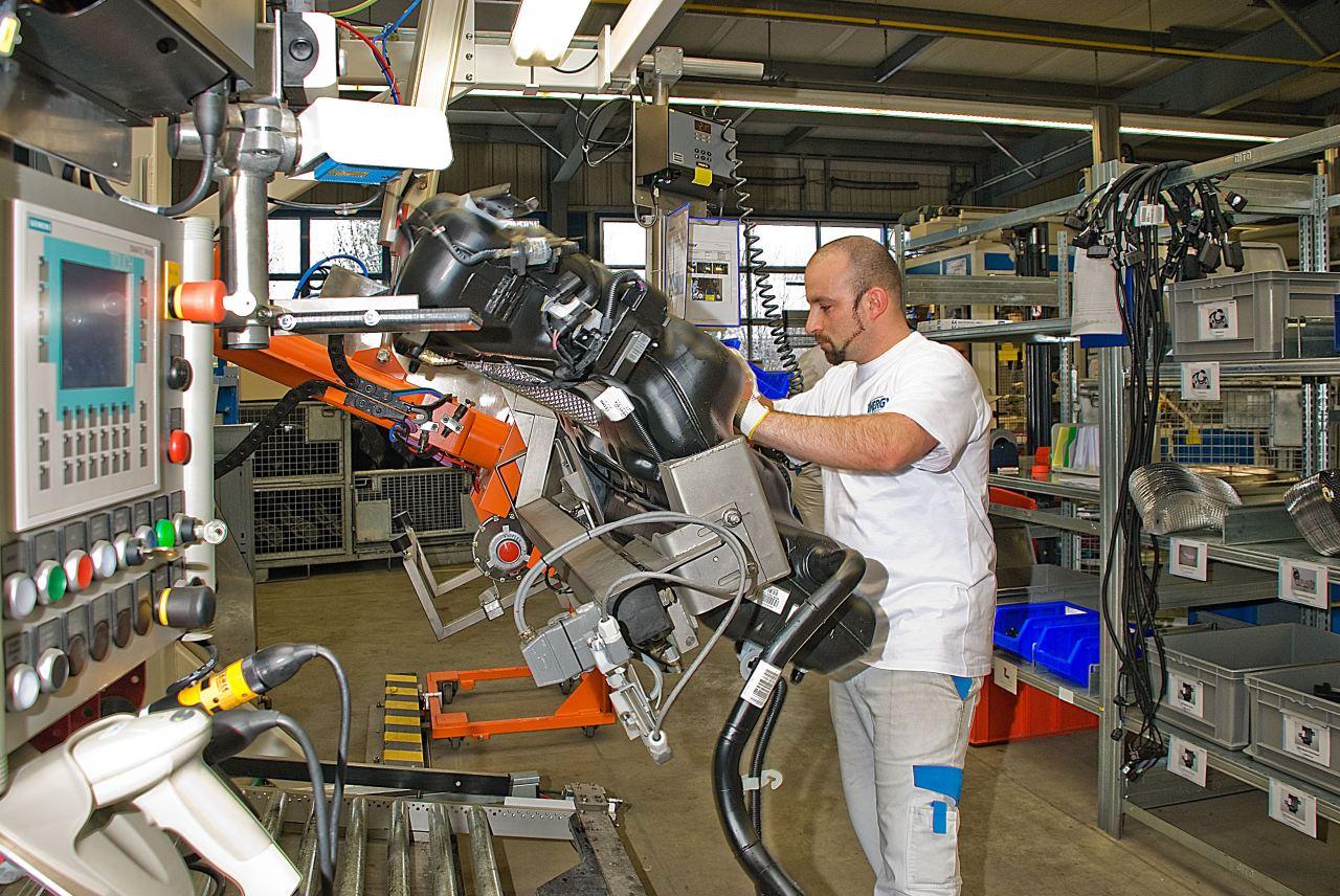 Plastic omnium ouvrira 20 nouvelles usines d 39 ici 2018 for Plastic omnium auto exterieur services