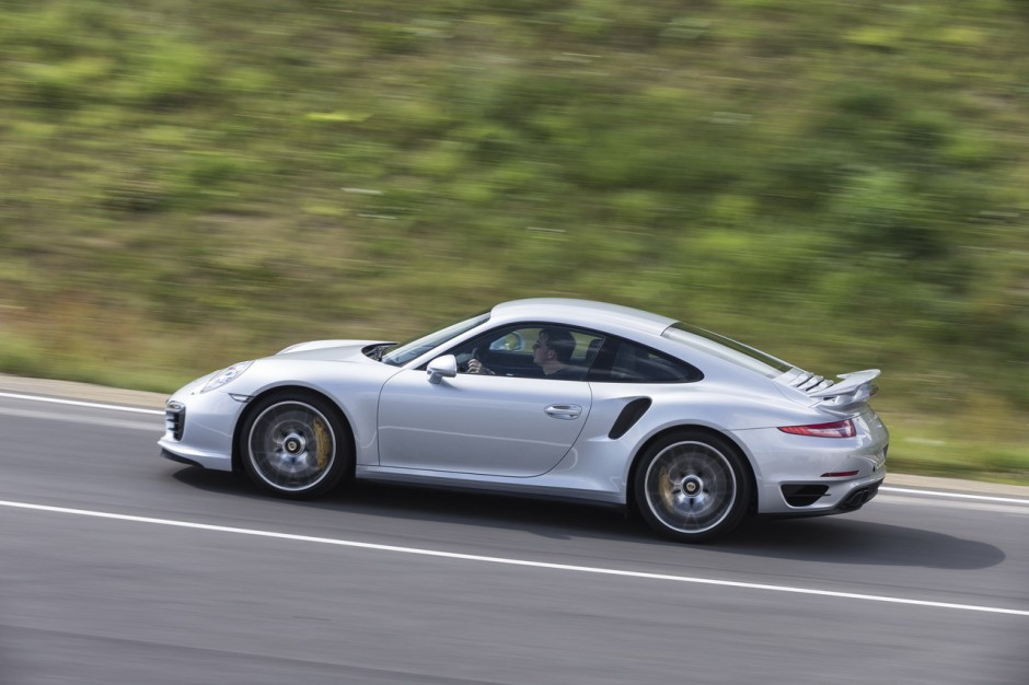 essai porsche 911 turbo s au volant de la type 991 turbo s 2013 photo 35 l 39 argus. Black Bedroom Furniture Sets. Home Design Ideas